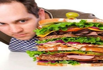 تاثیر افراط بیش از حد در غذا خوردن بر سلامت مردان