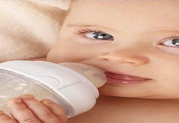 تغذیه با شیشه و مشکلات معده در نوزاد