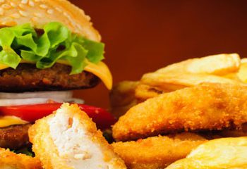 مصرف غذاهای بیرون از خانه و افزایش محیط دور کمر