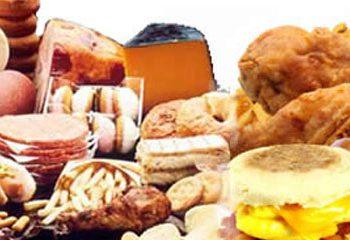 مصرف زیاد اسیدهای چرب اشباع خطر بیماری قلبی را افزایش می دهد.