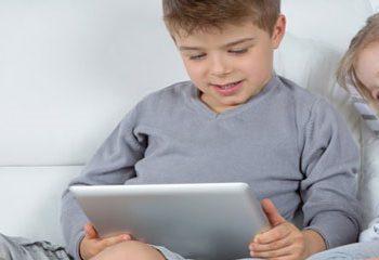 استفاده از تلفن های هوشمند و تبلت با چاقی نوجوانان مرتبط است.