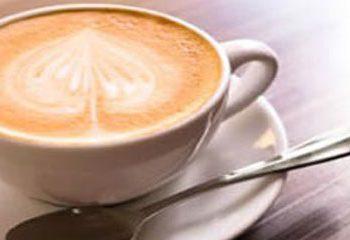 تاثیر مصرف شکر و خامه همراه با چای و قهوه بر انرژی دریافتی
