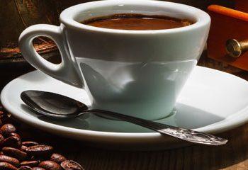 با مصرف روزانه قهوه خطر سرطان کبد را کاهش دهید.