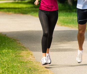 با کمتر از ۲ ساعت پیادهروی در هفته عمر خود را طولانیتر کنید.