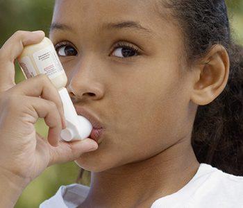 چاقی احتمال ابتلای کودکان به آسم را افزایش میدهد.
