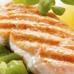 آیا مصرف ماهی خطر ابتلا به سرطان سینه را کاهش میدهد؟