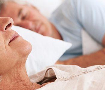 یک سوم سالمندان برای داشتن خواب مناسب دارو مصرف میکنند.