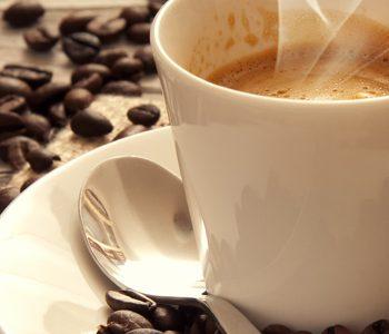 نوشیدن ۳ فنجان قهوه در روز به حفظ سلامت قلب کمک میکند.