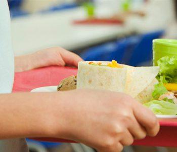 مدرسه و نقشی که در بهبود عادات غذایی دانش آموزان دارد