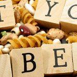 فیبر با اثر بر باکتریهای روده در کنترل دیابت نقش دارد.