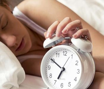 خواب کم یا زیاد، هر دو، برای سلامتی مضر هستند.