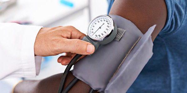 با رژیم غذایی و ورزش به درمان فشارخون بالا کمک کنید