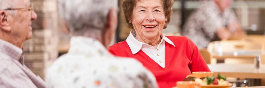 سالمندان نباید از مصرف غذاهای حاوی پروتئین غافل شوند.