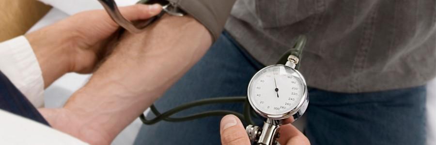کنترل فشارخون در جوانی و پیشگیری از بیماری قلبی در سالمندی