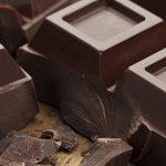 ۱۰ دلیل شگفتانگیز برای آنکه از شکلات تلخ استفاده کنید