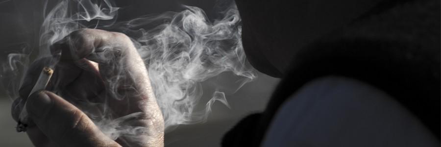دود سیگار سلامتی نوجوانان را به طور جدی به خطر میاندازد.