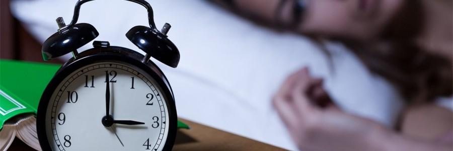 کمبود خواب از چه طریقی در بروز چاقی نقش دارد؟