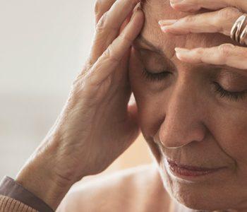 ۱۲ عاملی که خطر دمانس (زوال عقل) و آلزایمر را افزایش میدهند