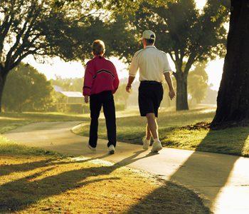 پیادهروی سبک و کوتاه مدت به بهبود حافظه کمک میکند