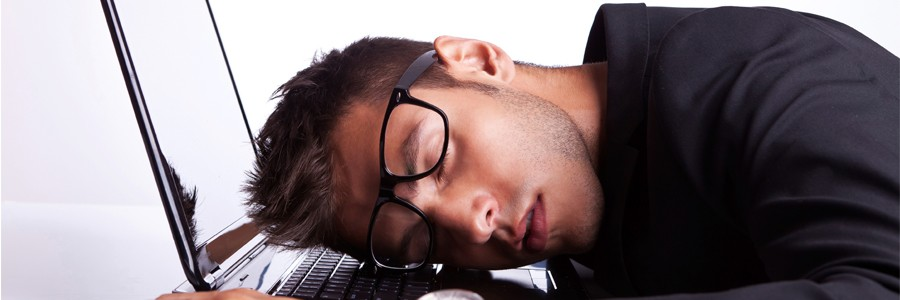 خستگی و خواب آلودگی - علت خواب آلودگی