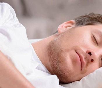 کم خوابی و ارتباط آن با حذف صبحانه و مصرف فست فود