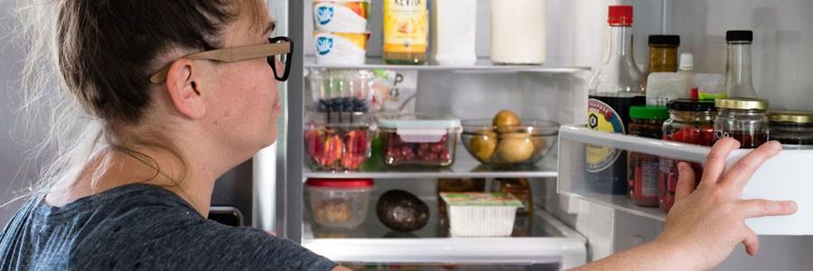 غذاهای ناسالم که ممکن است در یخچال شما وجود داشته باشد