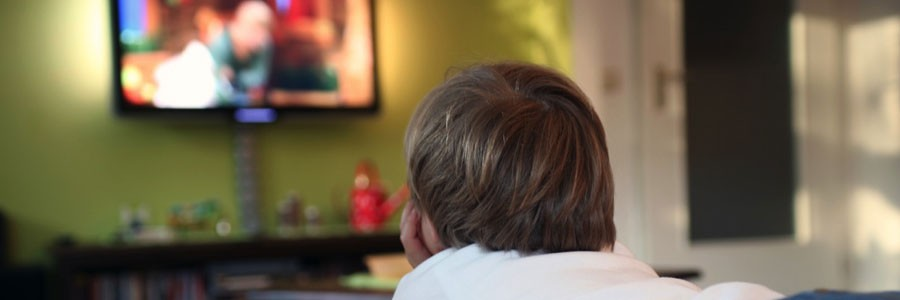 عوارض تماشای زیاد تلویزیون برای کودکان چیست